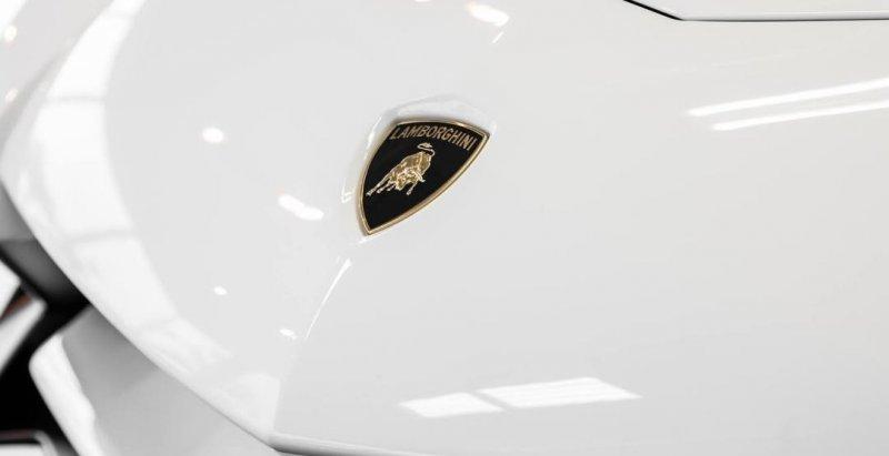 На Женевском автосалоне дебютирует уникальное купе Lamborghini Centenario  - «Автоновости»