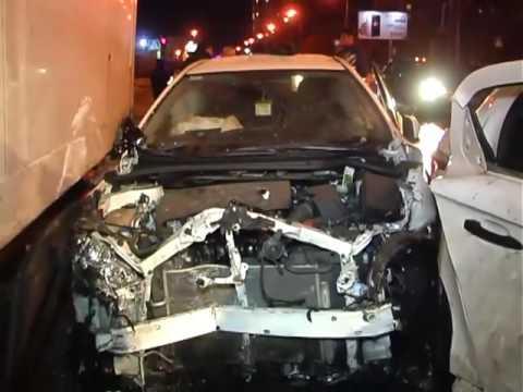 Массовое ДТП - неудачный дрифт на скользкой дороге  - «происшествия видео»